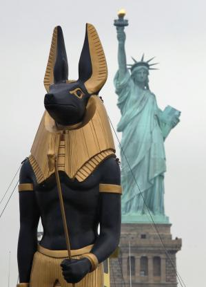 Anubis in New York – Isiopolis